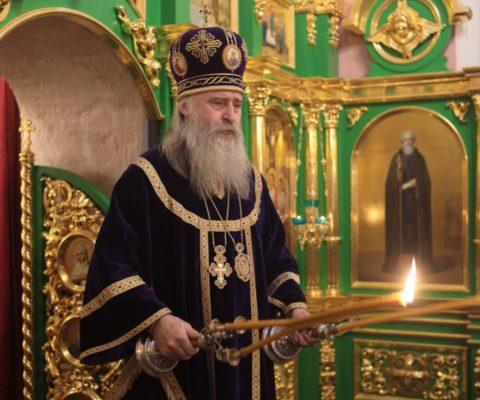 Архиепископ Каширский Феогност совершил Божественную Литургию в Саввино-Сторожевском монастыре