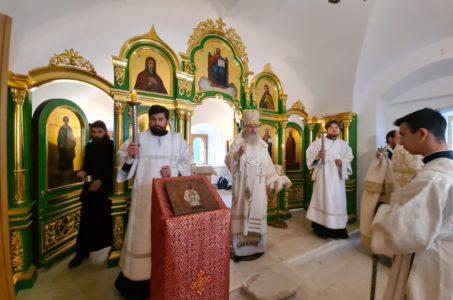 Великое освящение храма прп. Алексия человека Божия архиепископом Каширским Феогностом