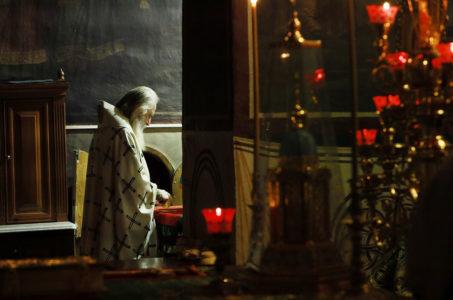 В день обретения мощей прп. Саввы, архиепископ Каширский Феогност возглавил Божественную литургию
